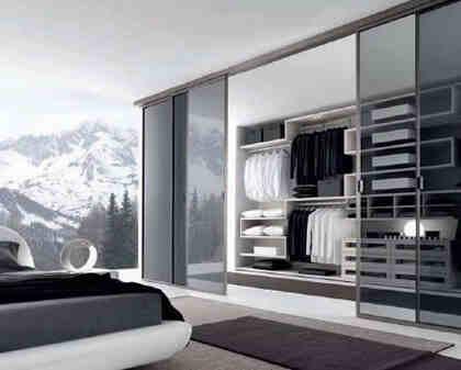 杂物间装修效果图:适合空间特点:在卧室一端已经专门划分了衣帽间